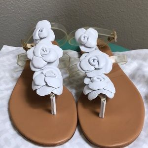 NWOT! DVF White Flower Leather Ankle Sandal!